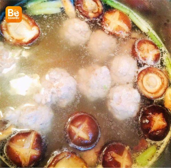 シイタケのミートボールと青梗菜スープ-023