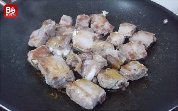 豚カルビとサトウキビ・ジュース煮込み2